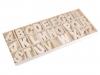 Dřevěná písmena v krabici (1 krab.)